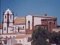 Algarve cathedral roof in danger of collapsing.jpg