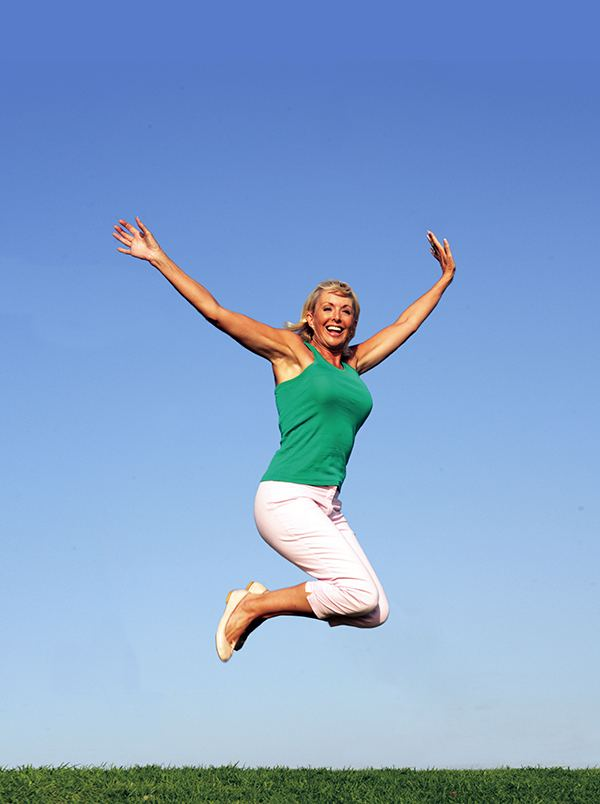 300514_SU_WOMAN_JUMPING_FEET_ARTICLE.jpg