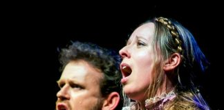 Opera show 'Laughter and Tears' taking place in Lagoa
