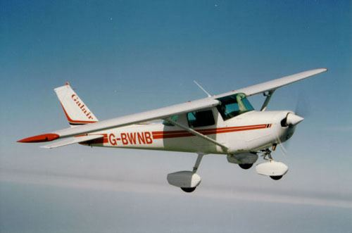 Searches resume in Sagres for body of missing pilot