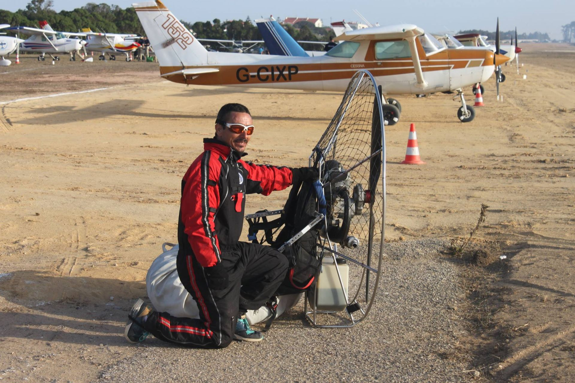 Paramotor instructor dies in freak fall over Alvor - Portugal Resident