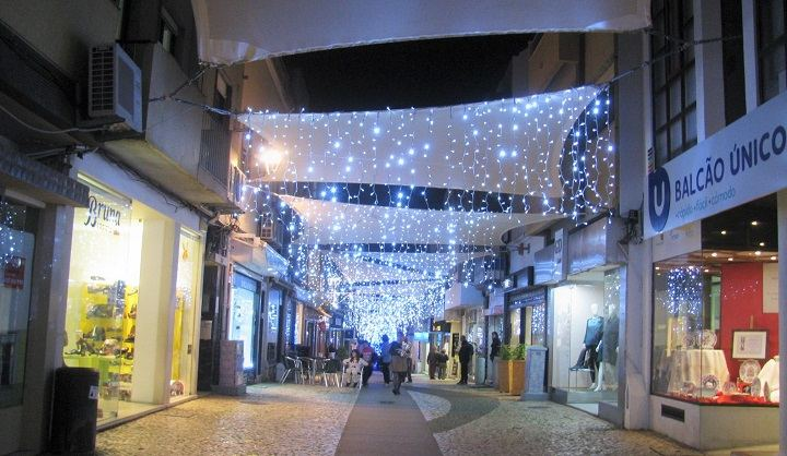Half Of Christmas Lights Dont Work.Portugal Resident Portugal Resident