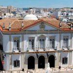 Faro deputy mayor suspect in corruption probe as police raid town hall