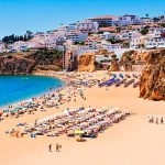 """Albufeira beachgoers told to """"keep away from cliffs"""""""