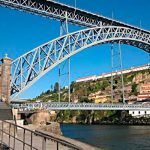 Second case of bizarre nudism on Porto's iconic bridge