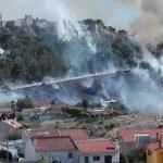 50 people evacuated as flames surround Sesimbra Castle