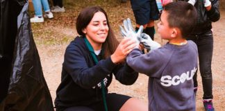 Hundreds of Scouts take part in beach cleanups across Algarve