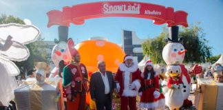Snowland brings ice rink and Christmas fun to Albufeira