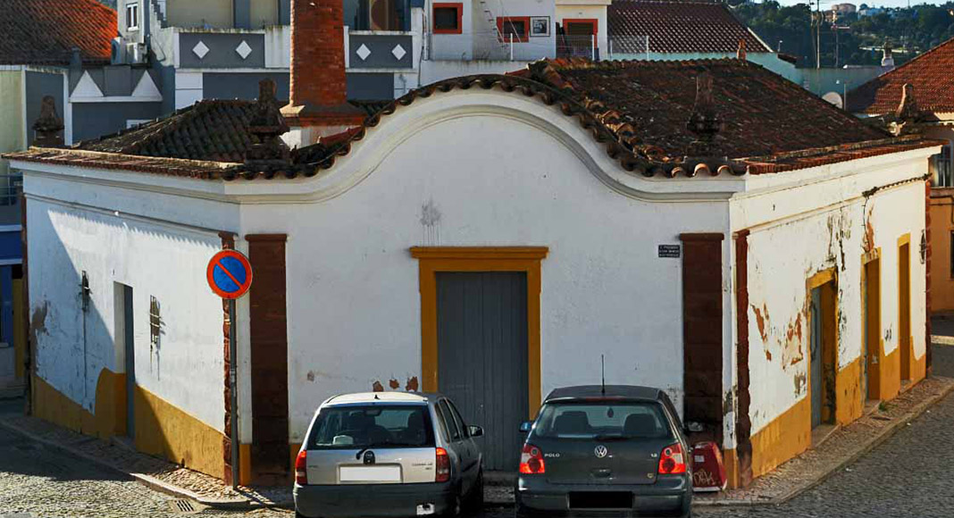 Silves Traffic restricted as Silves begins to turn old bakery into 'House of Wine'