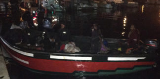 Police intercept boat with 11 North African migrants near Olhão