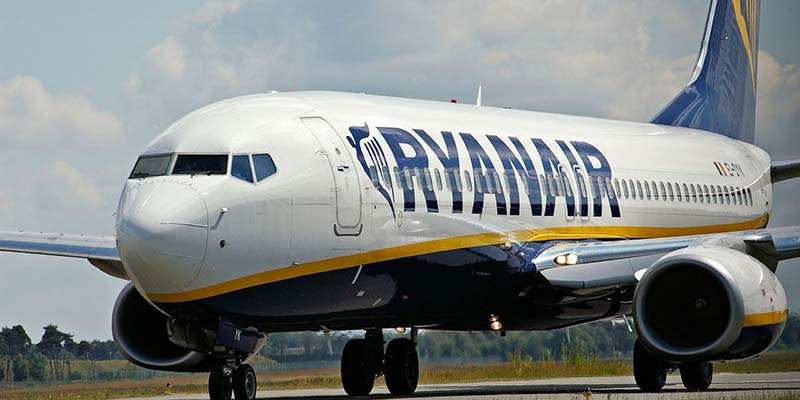 Ryanair lays off 75 employees to keep Faro base open
