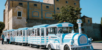 Faro tourist train to gain new stops and 'hop-on hop-off' option