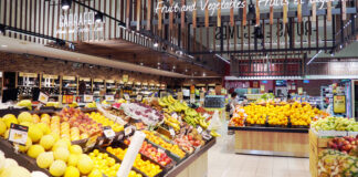 fruits and vegetables at improved Intermarché Portimão