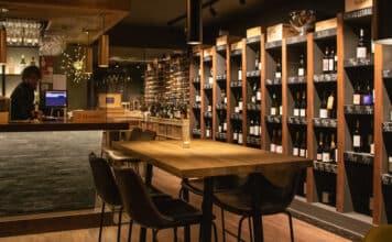 Inside view of Touriga Wine & Dine