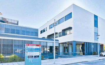 The outside of the new HPA Health Group hospital - Gambelas 2021
