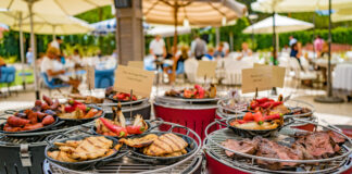 Summer food being served on the outside in Quinta do Lago
