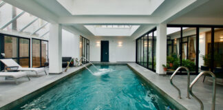 View of the swimming pool at Sal Spa Luz